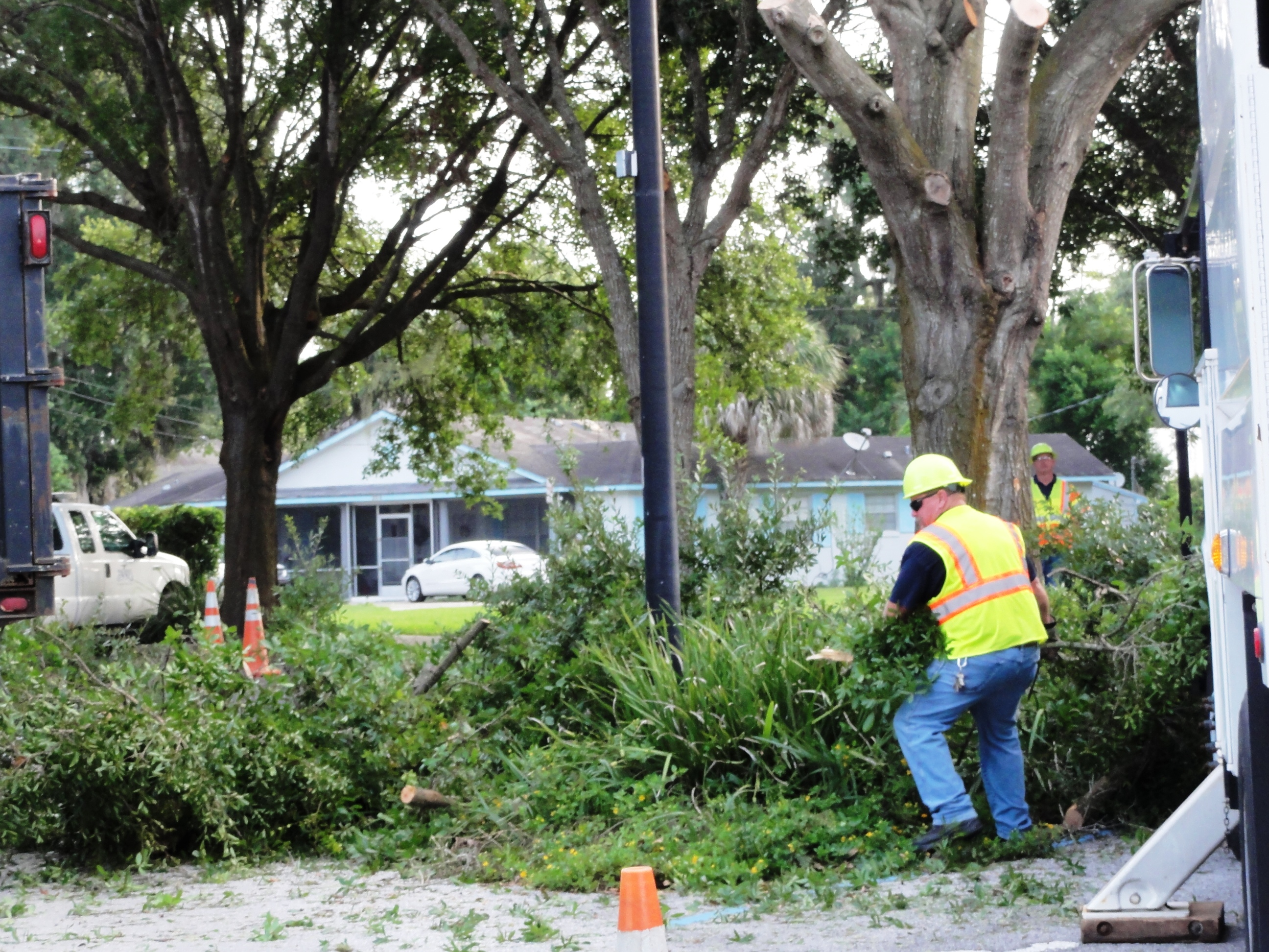 Duane Everett clearing tree limbs..JPG