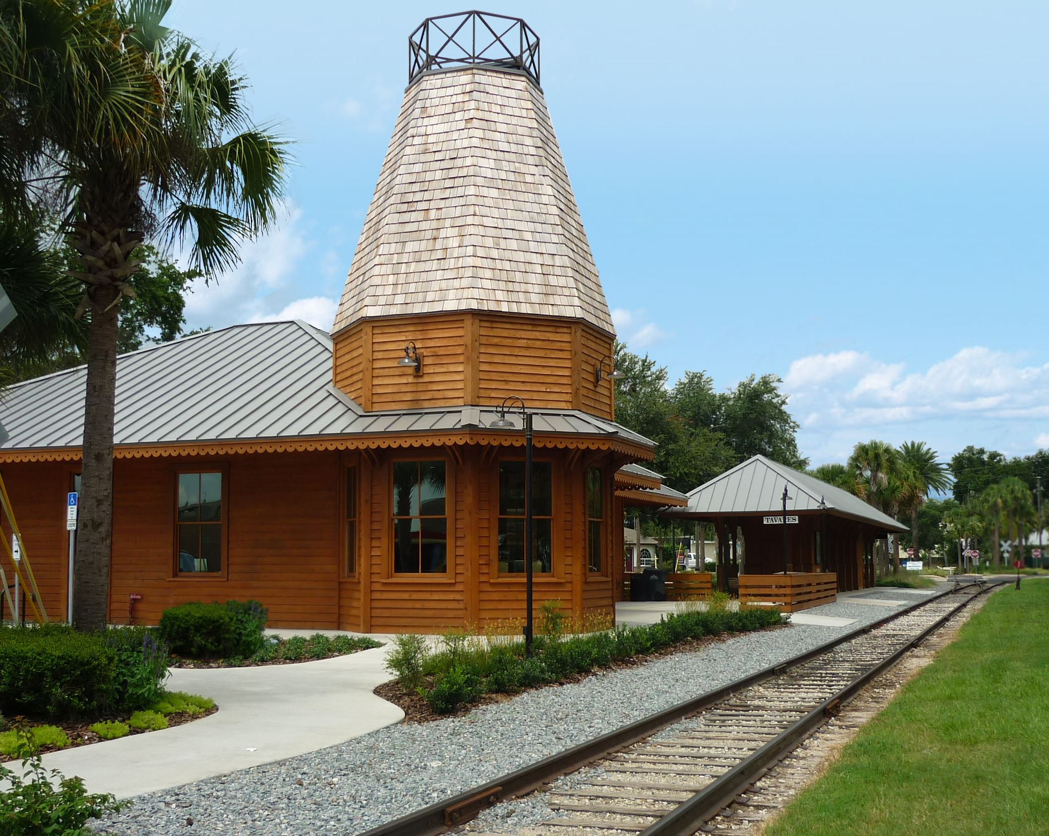 Photo of Tavares Train Station